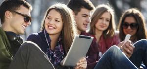 smartphone-jovenes-redes-sociales-telfono